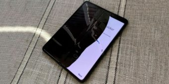 Samsung Galaxy Fold сломался