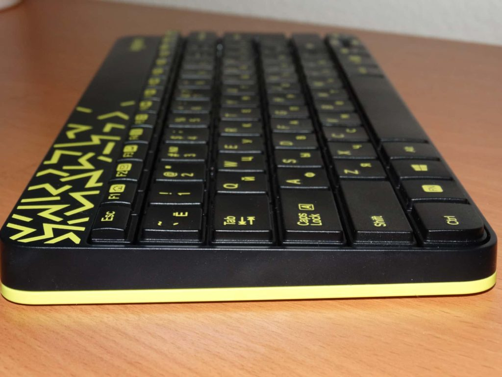 клавиатура logitech mk240 сбоку