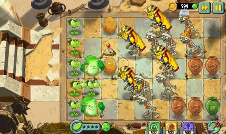 лучшие оффлайн стратегии на Андроид - Plants vs Zombies 2